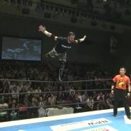 Flip Gordon shows off some incredible balance