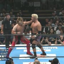 YOSHI-HASHI and Togi Makabe slug it out