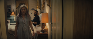 Tori (Elizabeth Banks) and Kyle (David Denman)