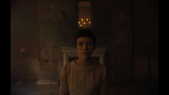 Gretel (Sophia Lillis)