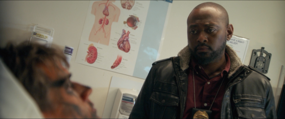 Detective Mike Denver (Omar Epps)