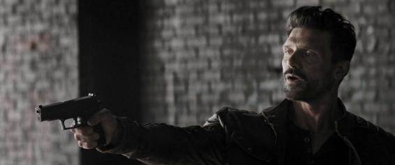 Roy Pulver (Frank Grillo), always with a gun...